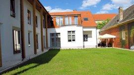 Hotel Pilvax Kalocsa Dél-Alföld szállás