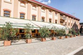 Hunor Hotel és Étterem Észak-Alföld szállás