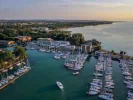 Hotel Yacht Wellness& Business Siófok szállás Balatonon