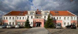 Hotel Platán  - családbarát szállás